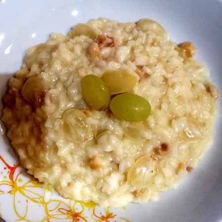 Risotto con nocciole gorgonzola e uva