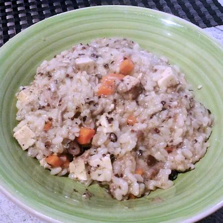 Risotto vegano pioppini e tofu