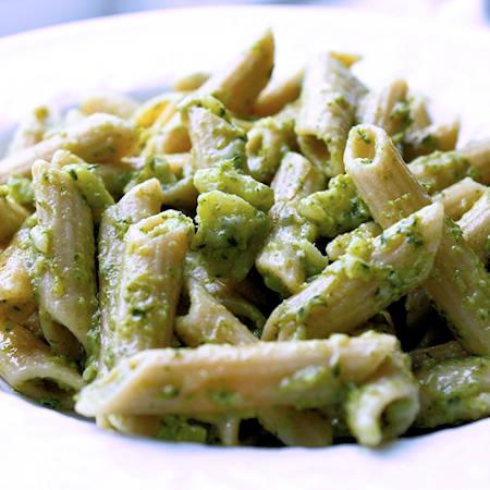 Salsa di broccoli e noci