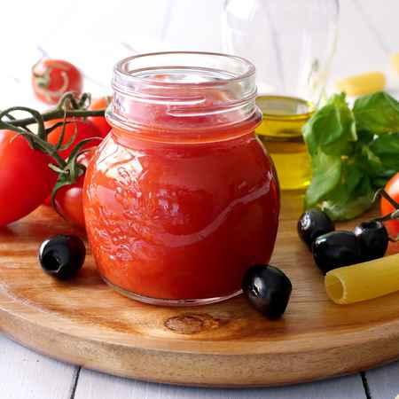 Salsa di pomodori datterino e olive