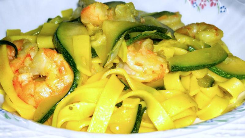 Salsa di zucchine e gamberi