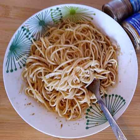 Spaghetti bottarga e peperoncino