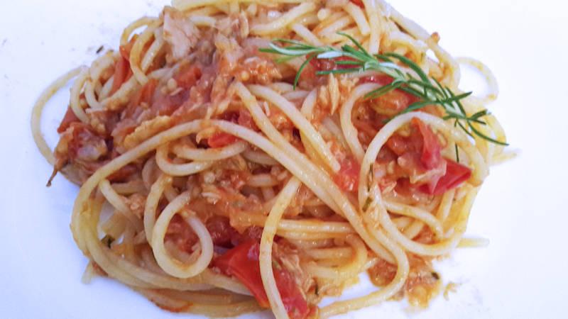 Spaghetti tonno e pomodorini