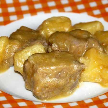 Spezzatino con patate e curcuma