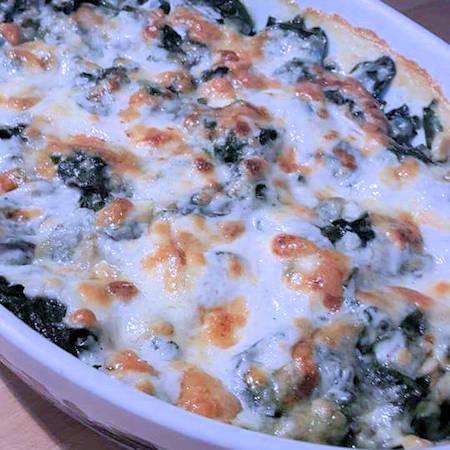 Spinaci con besciamella e mozzarella