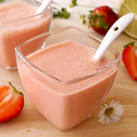 Succo di fragole e carote con yogurt