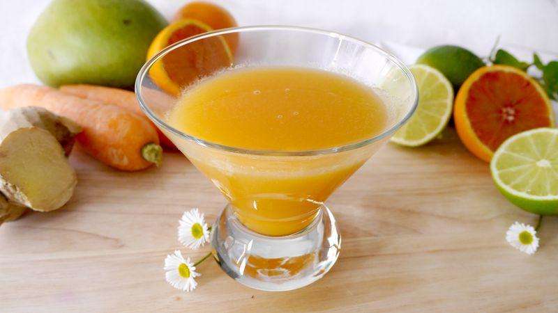 Succo mango arancia e carote