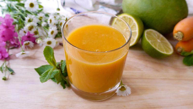 Succo mango carota e menta