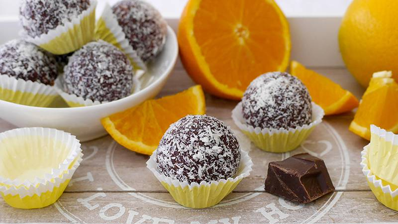 Tartufini arancia, cioccolato e cocco