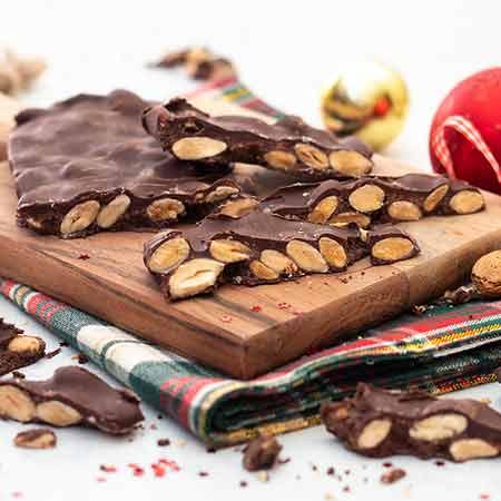 Torrone al cioccolato e mandorle