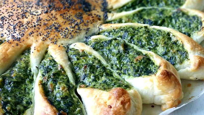 Torta a fiore con spinaci e ricotta