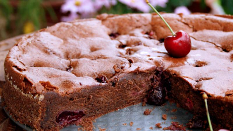 Torta alle ciliegie e cacao