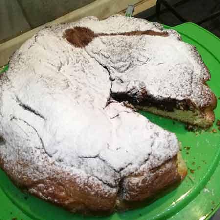 Torta bicolore al cioccolato fondente