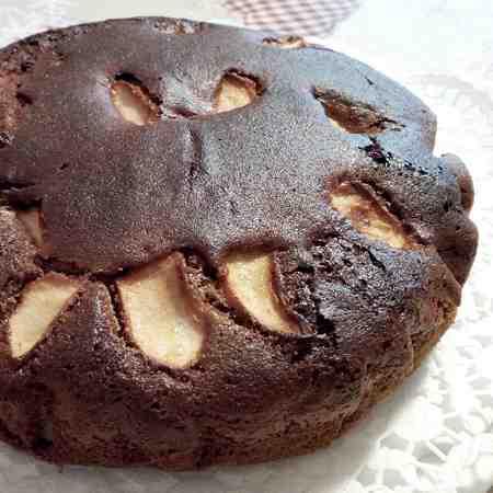 Torta cioccolato, pere e mele