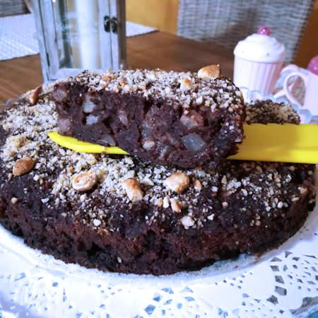 Torta di pane, cioccolato e pere