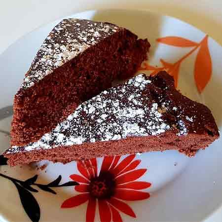 Torta di castagne con gocce di cioccolato