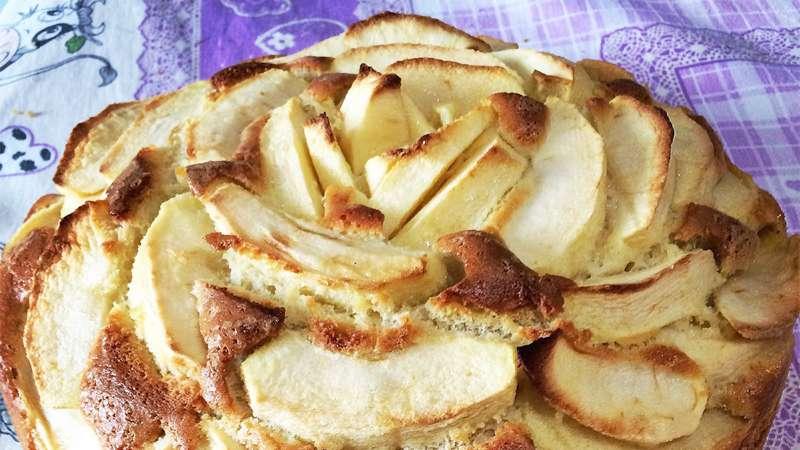 Torta di mele soffice e leggera
