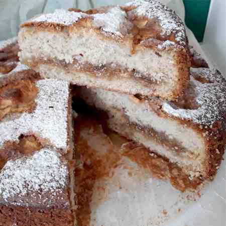 Torta marmellata di albicocche e mele