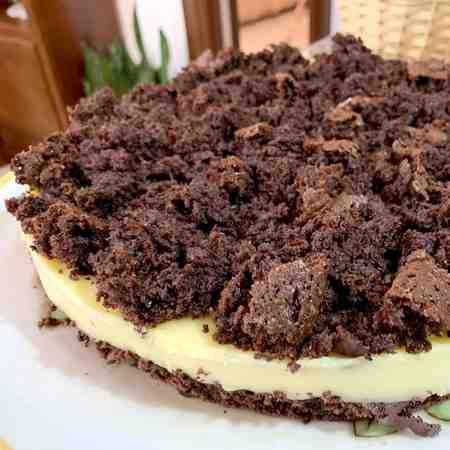 Torta mimosa al cacao con crema al limoncello