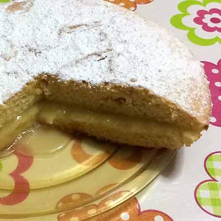 Torta morbida con crema al limone
