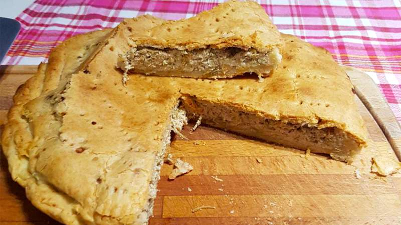 Torta Pasqualina carciofi e salumi