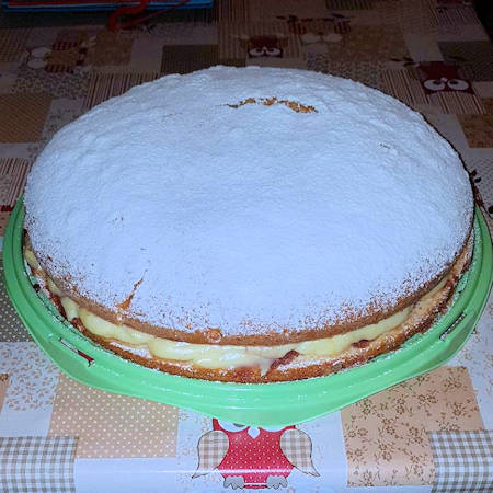 Torta soffice crema e amarene