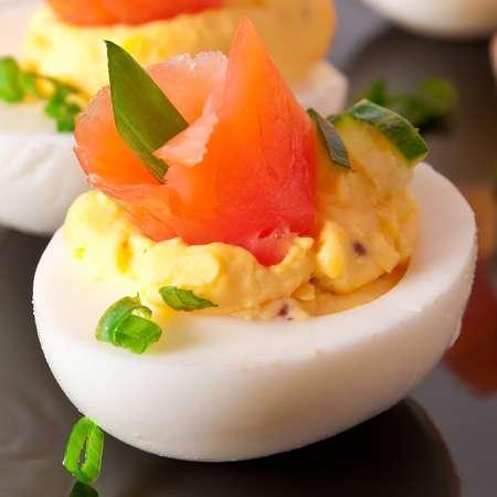 Uova ripiene al salmone