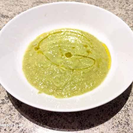 Vellutata di zucchine con parmigiano