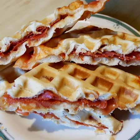 Waffle salati ripieni