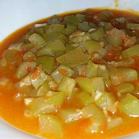 Zucchina lunga in brodo