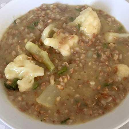 Zuppa di farro con verdure