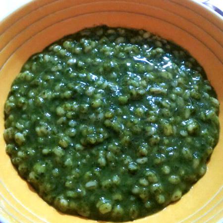 Zuppa d'orzo e spinaci